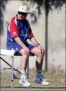 Duncan Fletcher looks on in Pakistan