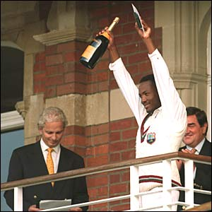 Brian Lara accepts his award at The Oval in 1995