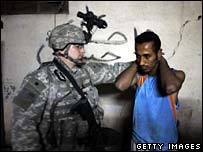 US soldier detains suspect in Baghdad