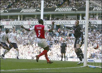Toure scores from close range to bring Arsenal level