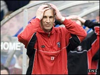 Gretna assistant David Irons shows his frustration