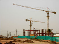 Cranes at al-Mogran site