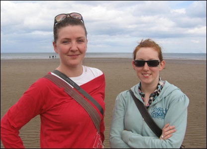Sara Edmonds (left) and Aileen Holland