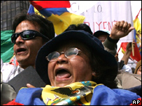 Protestas frente al Congreso de Ecuador
