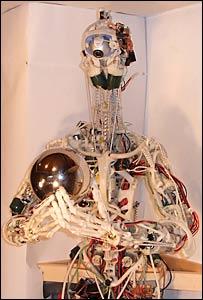 Robot Cronos.
