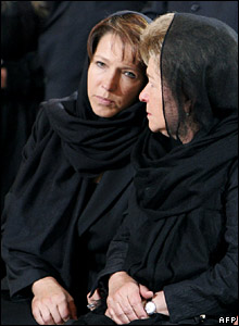 Boris Yeltsin's widow, Naina (right), and his daughter, Tatyana, at the cathedral