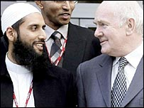 Imam Hafiz and the then defence secretary John Reid