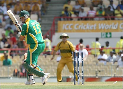 Smith loses his wicket early in the match