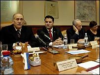 اولمرت في اجتماع للحكومة الإسرائيلية