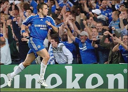 Joe Cole celebrates his goal