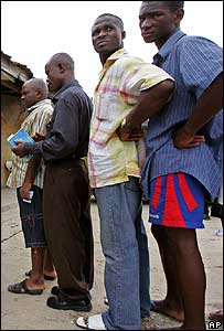 Nigerian voters in Port Harcourt, 21 April