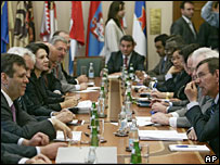 Serbian PM Vojislav Kostunica meets the UN Security Council delegation in Belgrade