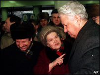 Boris Yeltsin berated by a pensioner