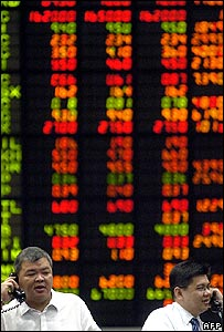 Traders in a stock exchange