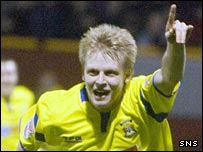 Steven Naismith celebrates with Kilmarnock