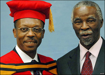 Ousted Haitian president Jean Bertrand Aristide (l) with South Africa's President Thabo Mbeki