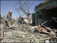 Escombros despu�s de tornado en Piedras Negras, M�xico.
