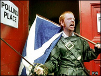 Scottish nationalist at polling station dressed as character from Braveheart