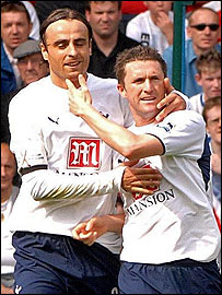 Dimitar Berbatov and Robbie Keane celebrate