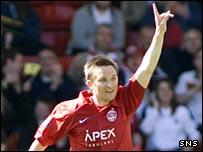 Barry Nicholson celebrates against Kilmarnock