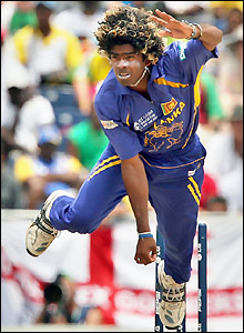 Malinga looks the first wicket