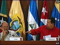 El vicepresidente de Cuba, Carlos Lage, y el mandatario venezolano