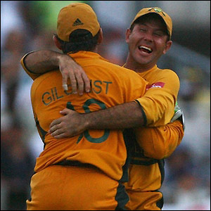 Gilchrist and Ponting think they have won but theie celebrations turn out to be premature