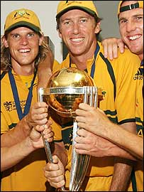 Nathan Bracken, Glenn McGrath and Shaun Tait