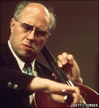 Мстислав Ростропович во время концерта в Вашингтоне (фото 1975 года)