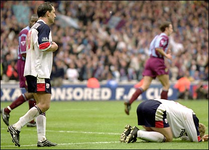 Bolton lose out in the 2000 FA Cup semi-final