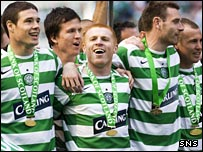 Celtic captain Neil Lennon (centre) received the SPL trophy