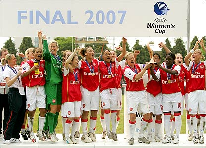 Arsenal ladies win the Uefa Women's Cup