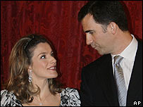 Spain's Crown Princess Letizia and Prince Felipe (file photo: January 2007)
