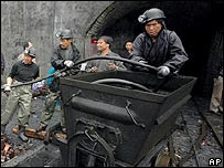 Chinese rescue workers prepare to search for trapped miners in Zhuzhou, Hunan province - 17 April 2007