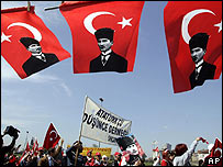 Turkish secularist marchers in Istanbul