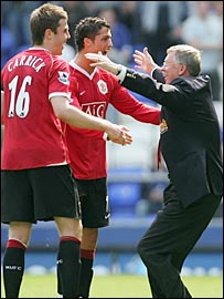 Michael Carrick and Cristiano Ronaldo celebrate the win over Everton with Sir Alex Ferguson