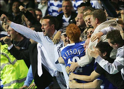 Dave Kitson celebrates with Reading's fans