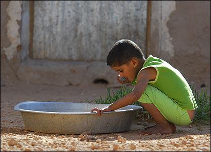 A child in the Western Sahara refugee camps in Algeria (Copyright: Steve Franck)