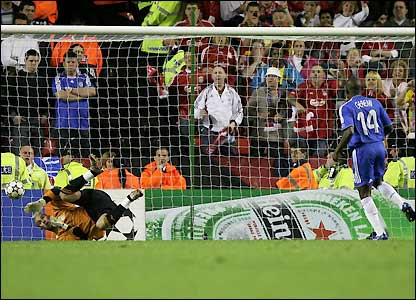 Pepe Reina saves Geremi's penalty
