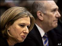 Israeli Foreign Minister Tzipi Livni (left) with Prime Minister Ehud Olmert, 2 May 2007