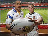 Ali Lauitiiti of Leeds and Paul Deacon of Bradford