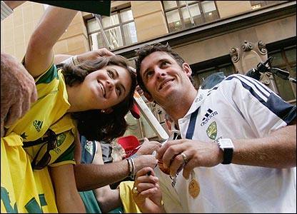 Michael Hussey and a fan
