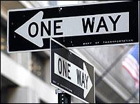 Señal en calles de Manhattan, Nueva York
