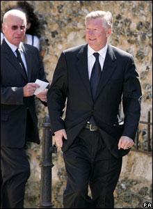 Sir Bobby Charlton (left) and Sir Alex Ferguson
