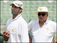 Shoaib Malik will feel the influence of team manager Talat Ali