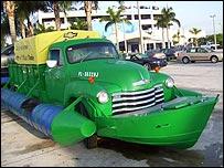 Réplica del camión Chevrolet 1951 utilizado por los balseros cubanos