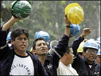 Miners protesting outside Labour Ministry building in Lima