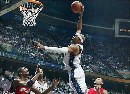 vince carter dunk nets. Nets#39; Vince Carter dunks