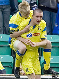 Colin Nish and Steven Naismith celebrate Kilmarnock's goal