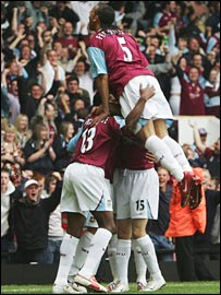 West Ham celebrate at Upton Park